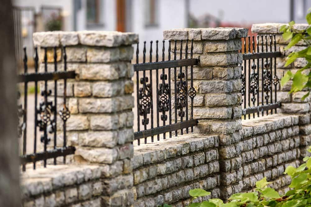 Tore und Gartenzäune bei Barl Metallbau in Stotzard